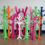 tree-shaped-clothes-racks-by-welland14.jpg