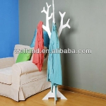 tree-shaped-clothes-racks-by-welland4.jpg
