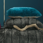 trendy-cushions-for-cold-seasons4-1.jpg