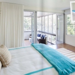 turquoise-and-white-in-bedroom4.jpg