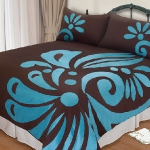 turquoise-and-brown-in-bedroom1.jpg