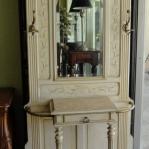 vintage-furniture-from-repurposed-doors5-6.jpg