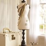 vintage-style-jewelry-holders-potterybarn3.jpg