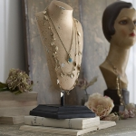 vintage-style-jewelry-holders-anangelatmytable1.jpg