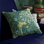 wallpapers-and-fabrics-by-morris-co-in-rooms1-3