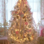white-christmas-tree-beautiful-decoration1-4