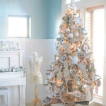white-christmas-tree-beautiful-decoration2-6