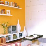 white-furniture-and-bright-wall2-2.jpg
