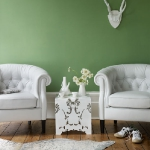 white-furniture-and-bright-wall4-2.jpg