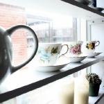 window-shelves-ideas-for-dinnerware2-3.jpg