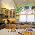 window-shelves-ideas-for-dinnerware2-6.jpg