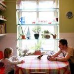 window-shelves-ideas-for-plants1-7.jpg