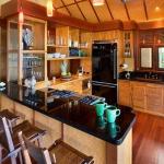 wonderfull-stories-from-hawaii-diningroom8.jpg