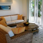 wonderfull-stories-from-hawaii-livingroom8.jpg