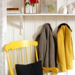 yellow-accents-in-interior-furniture9.jpg