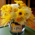 yellow-and-white-flowers-centerpiece-ideas2.jpg