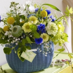 yellow-and-other-flowers-centerpiece-ideas10.jpg