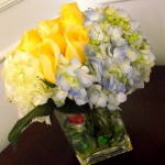 yellow-and-other-flowers-centerpiece-ideas12.jpg