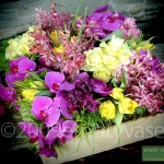 yellow-and-other-flowers-centerpiece-ideas8.jpg