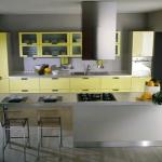 yellow-kitchen1-2piramide.jpg