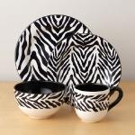 zebra-print-dinnerware2.jpg