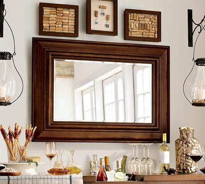 Подобные зеркала особенно удачны тем, что они одинаково хорошо могут...