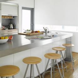 color-accents-in-white-kitchen10