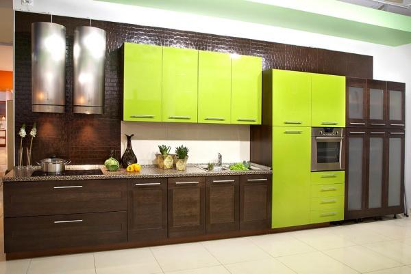 Зеленые кухни от лайма до изумруда