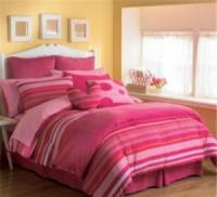 stripe-in-bedroom-style-woman1