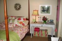 cool-teen-room-green-pink8