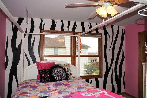 cool-teen-room-hot-pink-black2-1