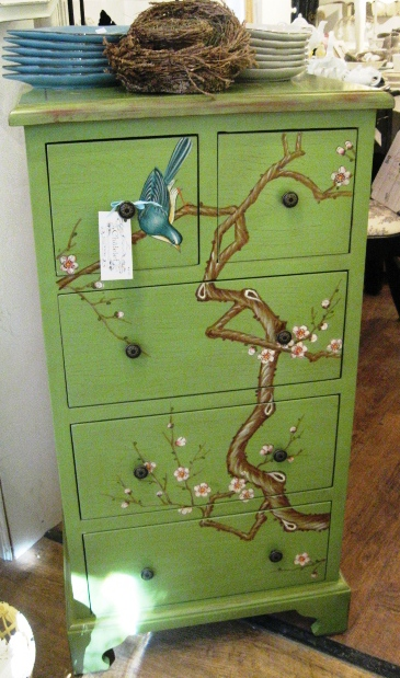 DIY-paint-furniture-dresser1