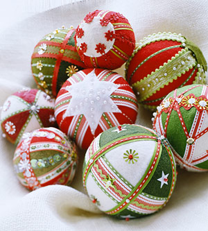 christmas-ball-ideas-diy-from-felt1