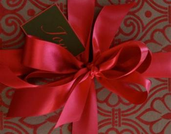 christmas-gift-wrapping-ribbon-n-coque1