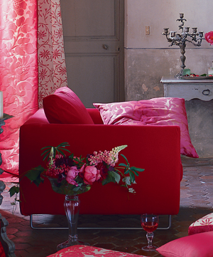 fashion-interior-2010trend3-barbie-house1