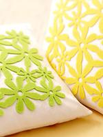 creative-pillows-ad-flowers4