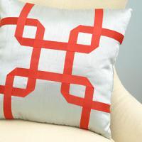 creative-pillows-ad-ribbon-n-trim2