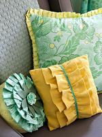 creative-pillows-fringe-n-drapery4