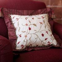 creative-pillows-fringe-n-drapery7