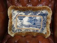 creative-pillows-fringe-n-drapery9