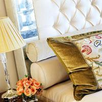 creative-pillows-glam7