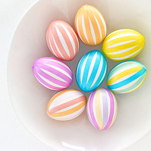 http://www.design-remont.info/wp-content/uploads/2010/03/easter-eggs-decor7.jpg