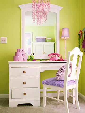 girl-candy-room-1-2-story-1-3