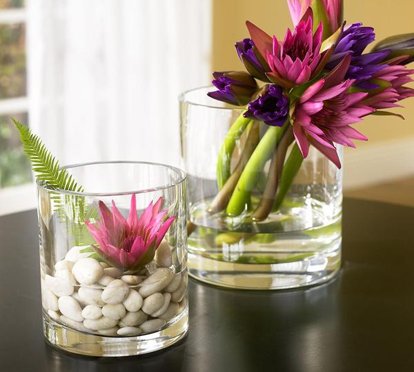 Стеклянные прозрачные вазы для цветов