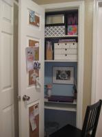 mini-home-office-in-closet4