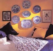 decorative-plate-on-wall-bedroom4