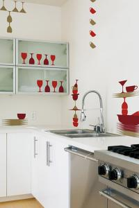 red-stickers-decor-interior-things1