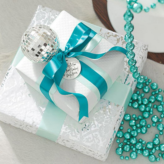 new-year-gift-wrapping-themes