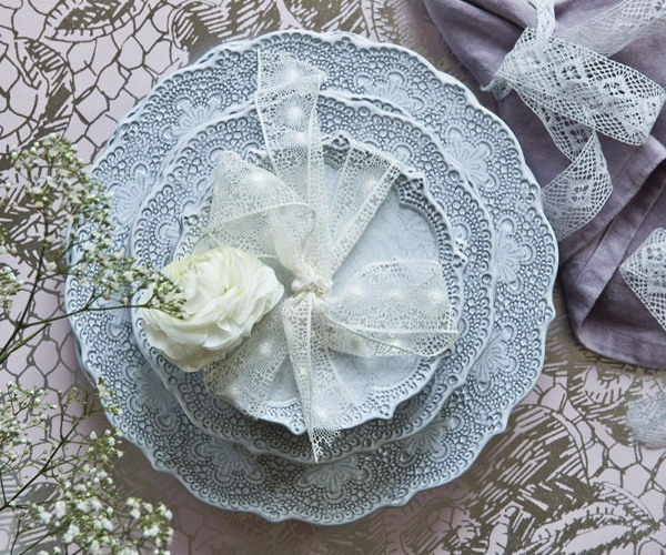 lace-and-doilies-interior-trend