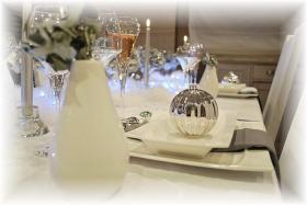 magic-snowy-night-table-set9